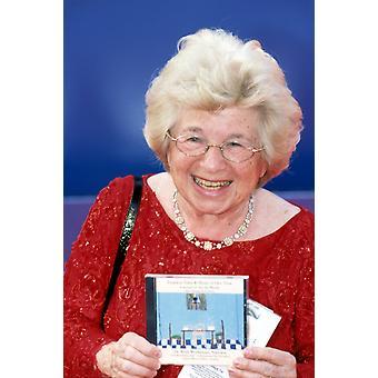 Dr. Ruth Westheimer in 2002 Grammy Awards La Ca 2272002 von Robert Hepler Berühmtheit