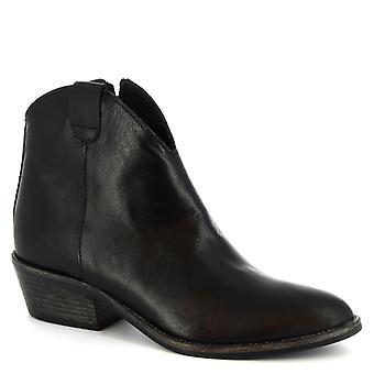 Leonardo Shoes Women's handmade heels ankle boots in black calf leather
