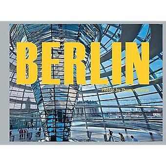 Berlin - People Impressions Location by Thomas Kierok - 9783037680902