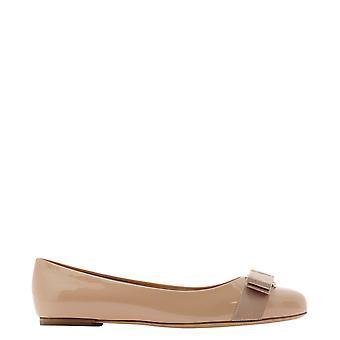 Salvatore Ferragamo 518533 Women's Beige Patent Leather Flats