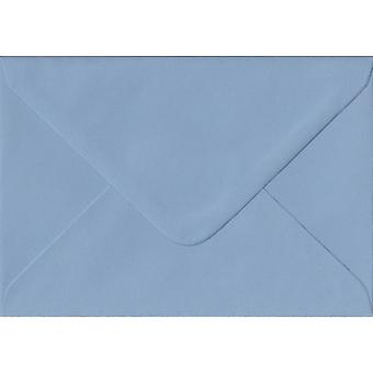 Wedgwood Blue gegomd Gift/plaats kaart gekleurde blauwe enveloppen. 100gsm FSC duurzaam papier. 70 mm x 110 mm. bankier stijl envelop.