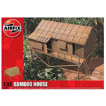 Airfix A06382 1:32 Escala Bamboo House Model Kit
