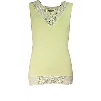 Eine Postkarte von Brighton Angel Green Lace Detail-Top