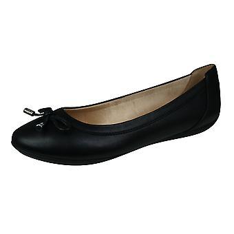 Geox D Charlene B Womens Ballett Pumps / Schuhe - Schwarz