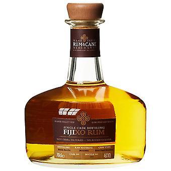 Fiji xo - egyetlen hordó rum és a cane kereskedők. 70cl. 46% abv. ajándék ón