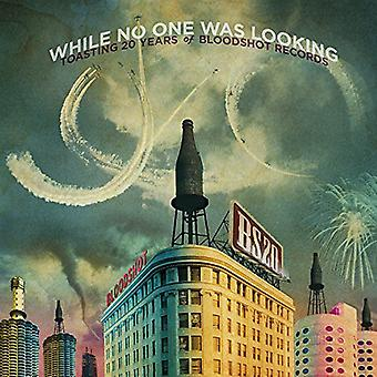 While No One Was Looking: Toasting 20 Ye - While No One Was Looking: Toasting 20 Ye [Vinyl] USA import