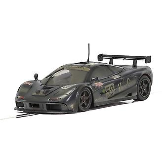 Scalextric Mclaren F1 GTR esposta all'aria