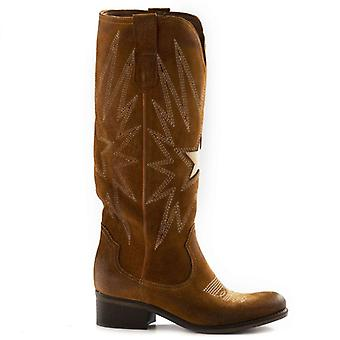 Zoe Tex Brown Suede Boots With Embroidery Star
