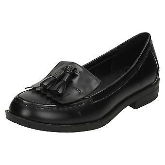 Spot de senhoras nos sapatos de estilo mocassim