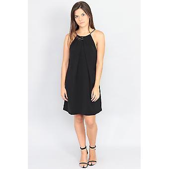 Μικρό μαύρο φόρεμα ταλάντευσης