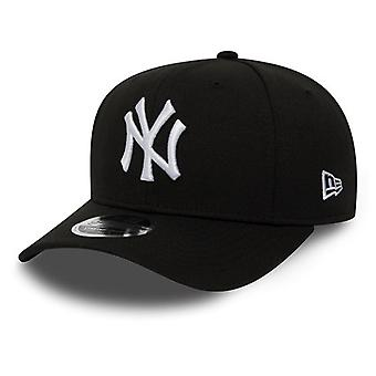 Neue Ära New York Yankees Stretch Snap 9Fifty Cap in schwarz
