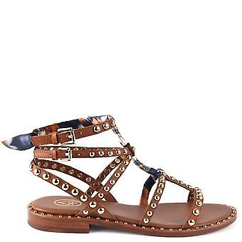 סנדל נעליים משובץ עור חום פצ'ולי