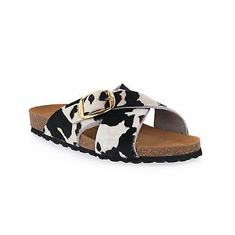 Frau cow horsy shoes