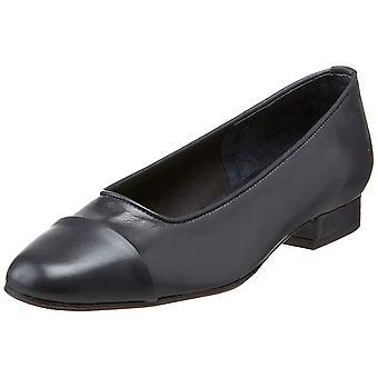 Vaneli Womens Frankie Leather Closed Toe Classic Pumps