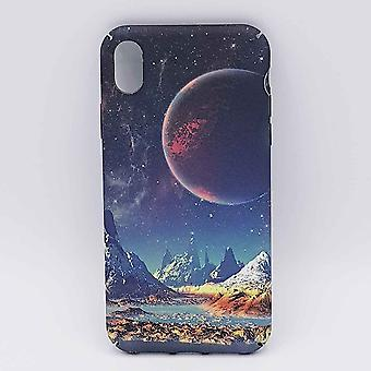 iPhone XR-pouch-mountains in a red moon