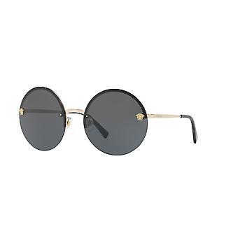 فيرساتشي VE2176 1252/87 الذهب الشاحب / رمادي النظارات الشمسية