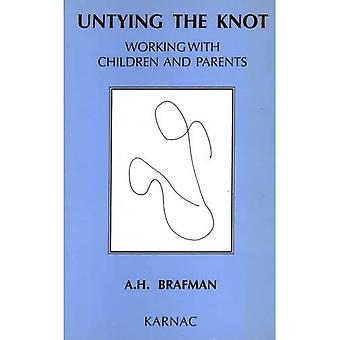 Den Knoten entbinden : Arbeiten mit Kindern und Eltern
