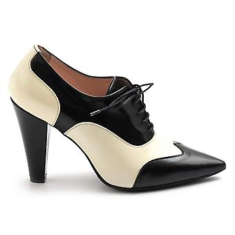 French Shoe With Heel Anna F White and Black