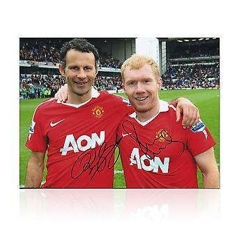 Paul Scholes och Ryan Giggs signerade Manchester United Foto