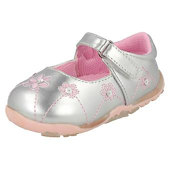 Infant Girls Cutie Shoes With Flower Detail