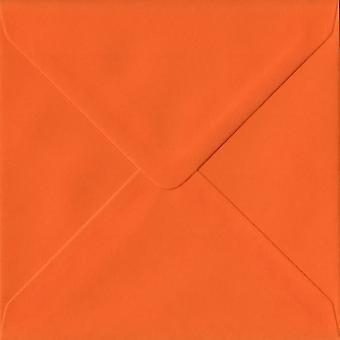 Orange gummiert 130mm quadratische farbige Orange Umschläge. 100gsm FSC nachhaltigen Papier. 130 mm x 130 mm. Banker Stil Umschlag.
