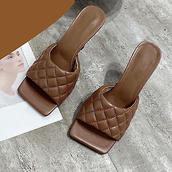 Frauen Mules Design Hausschuhe / Sandalen