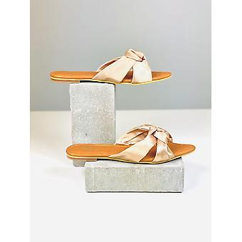 Litteät sandaalit Silvia Cobos Love Beige
