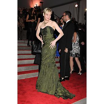 Renee Zellweger At Arrivals For The Model As Muse Embodying Fashion Costume Institute Benefit Gala Metropolitan Museum Of Art New York Ny May 4 2009 Photo By Rob RichEverett Collection Celebrity