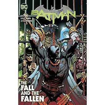 Batman Volume 11 - The Fall and the Fallen by Tom King - 9781779501608