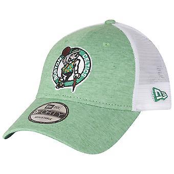 Nowa era 9Forty Trucker Cap - lato Boston Celtics