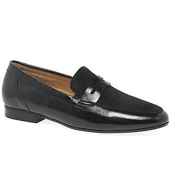 غابور يهمس النساء تنزلق على الأحذية