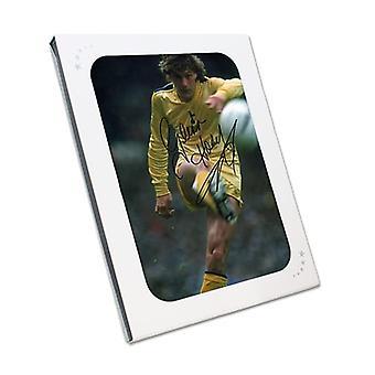 グレン・ホドルがトッテナム・ホットスパーと契約 写真:1982年FAカップ決勝。ギフトボックス内