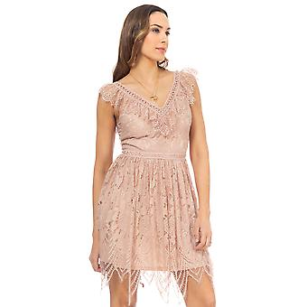 Lace dress with ruffles at the neck and lower