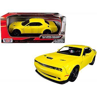 MotorMax Motormax 2018 Dodge Challenger SRT Hellcat Wideboy Yellow 1:24