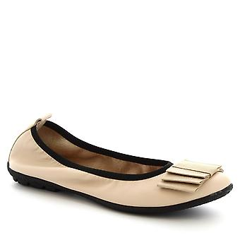 Leonardo Shoes Women's handmade ballet slip-on shoes in cream calf leather