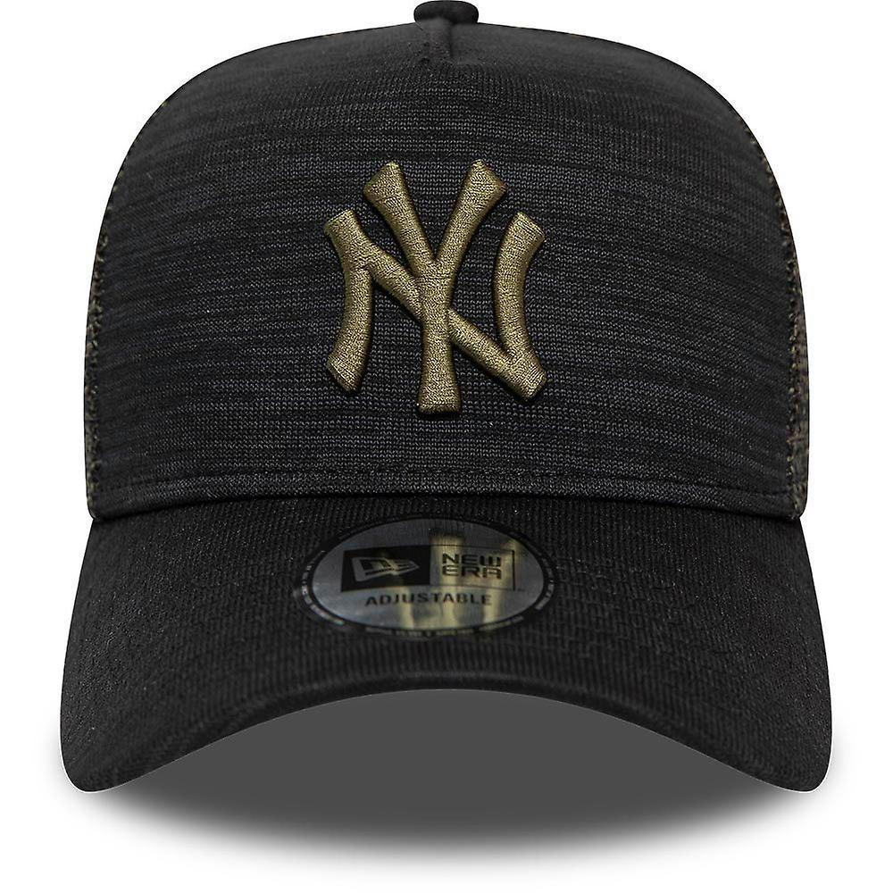 New Era Engineered Fit Trucker Cap ~ New York Yankees