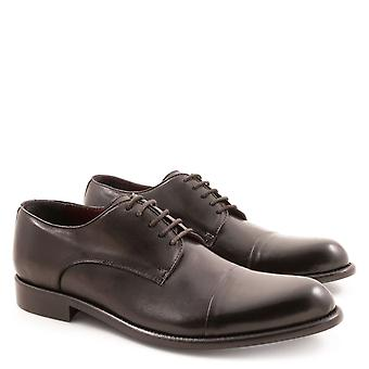Handmade men's derby shoes in genuine black leather
