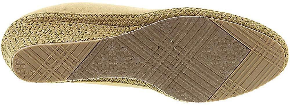 Beacon Newport Women's Slip On 8.5 E US Sand