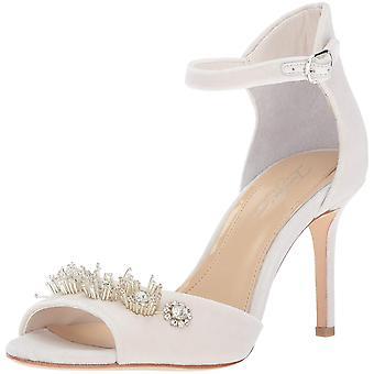 Stel je Vince Camuto Women's Prisca Heeled Sandal (Vernieuwd) voor