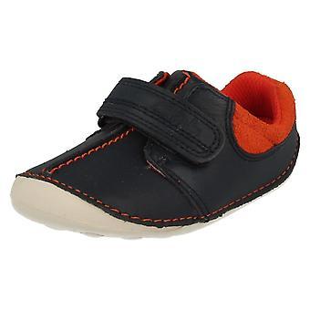 Pojkar Clarks första skor/kryssare liten Joe