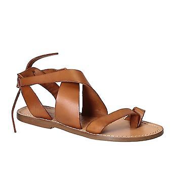 Vrouwen sandalen in bruin leder handgemaakt in Italië