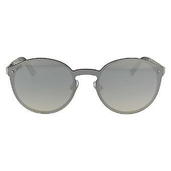 نظارات السيدات على شبكة الإنترنت