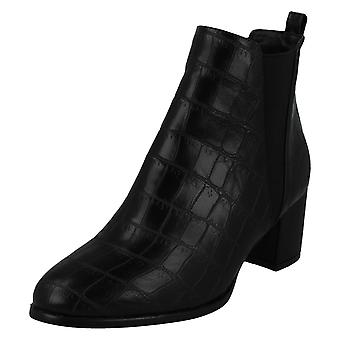 Ladies Spot On Mid Chunky Heel Ankle Boots F51090