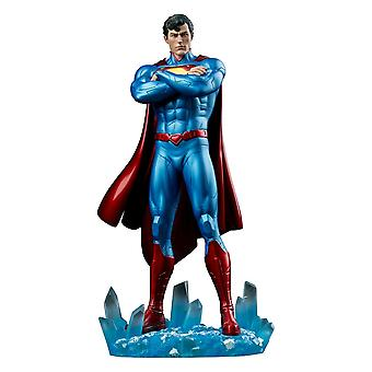 Superman New 52 Superman 1:6th Scale Limited Edition Statue