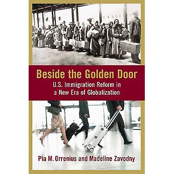Beside the Golden Door par Pia M. OrreniusMadeline Zavodny