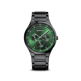 Bering ساعة اليد Unisex الكلاسيكية الأسود المصقول 11740-728