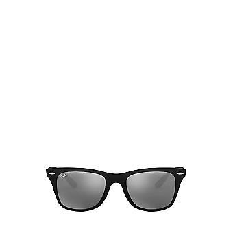 Ray-Ban RB4195 matta musta miesten aurinkolasit