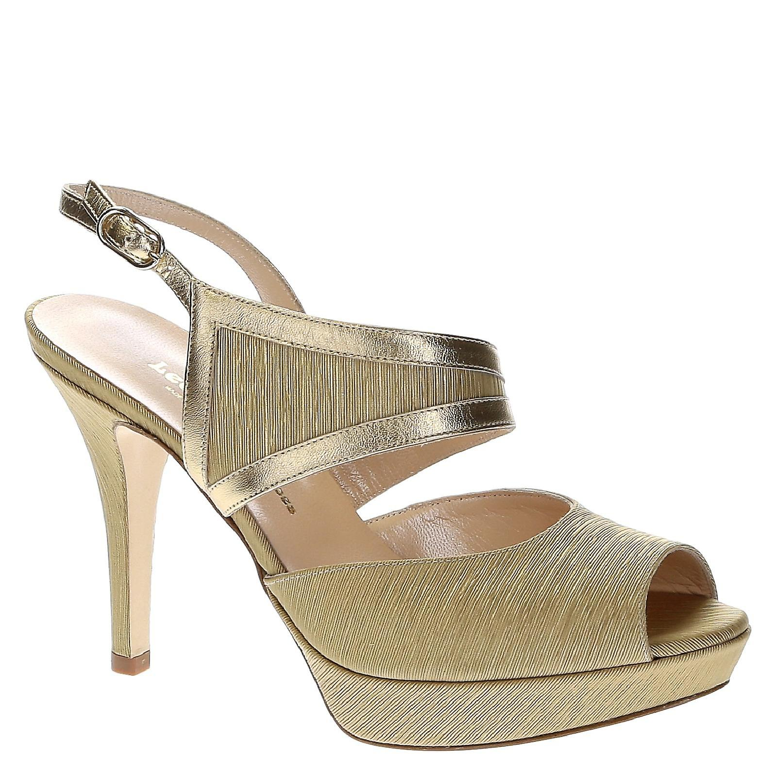 Platform sandals in platinum leather and satin SC3dX