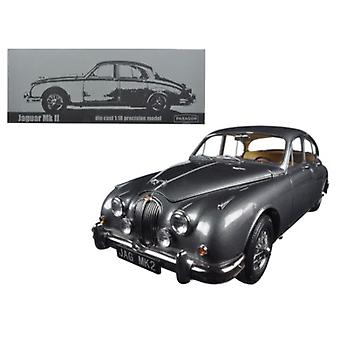 1962 Jaguar Mark 2 3.8 Gunmetal Left Hand Drive 1/18 Diecast Model Car par Paragon