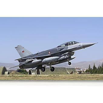 コンフォーマル燃料タンク装備現代 F-16D ブロック 50 ファイティングファルコン トルコ空軍これらの燃料タンクは、20 に 40 によって負荷構成と使命プロファイル P して範囲を広げる